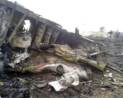 На місці авіакатастрофи знайшли тіла 121 пасажира. Бойовики перешкоджають роботі мнсників (фоторепортаж), фото-8
