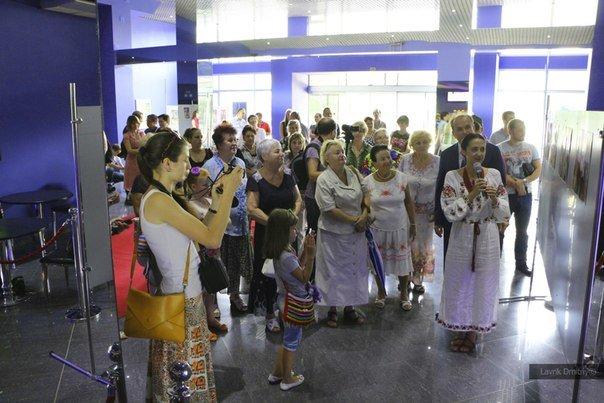 В Мариуполе фотохудожница  Ladna Kobieta представила колоритную Украину (ФОТО), фото-6