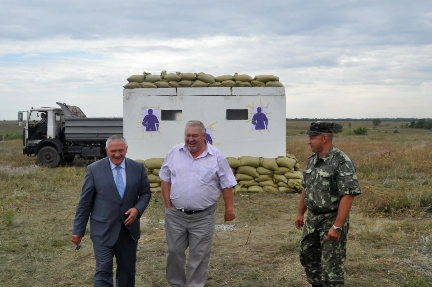 В Запорожье испытали на прочность передвижной блокпост для защиты украинской армии в зоне АТО (ФОТО, ВИДЕО), фото-2