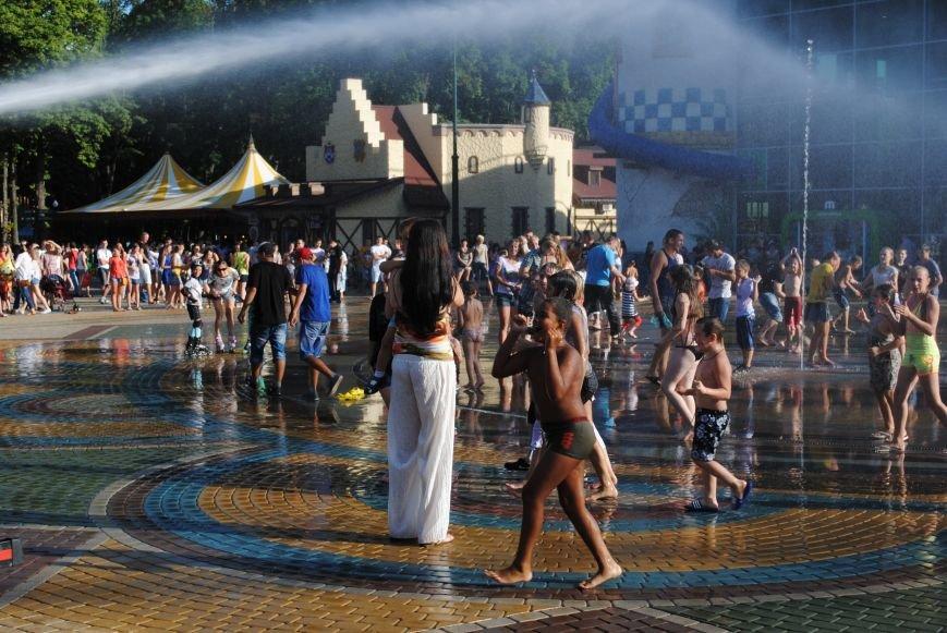 Как в парке Горького Праздник мыльных пузырей отмечали, фото-4