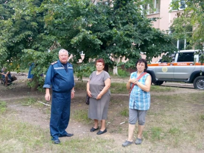 Запорожские спасатели в Славянске разбирают разрушенные дома и восстанавливают электросети (ФОТО), фото-3