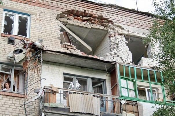 Активіст, який приїхав до Львова з Луганська, в шоці від того, що сталось з його рідним містом (фоторепортаж), фото-8