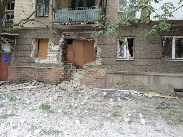 Активіст, який приїхав до Львова з Луганська, в шоці від того, що сталось з його рідним містом (фоторепортаж), фото-13