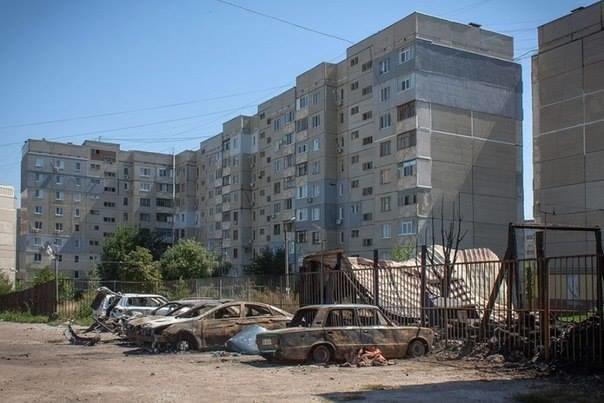 Активіст, який приїхав до Львова з Луганська, в шоці від того, що сталось з його рідним містом (фоторепортаж), фото-7