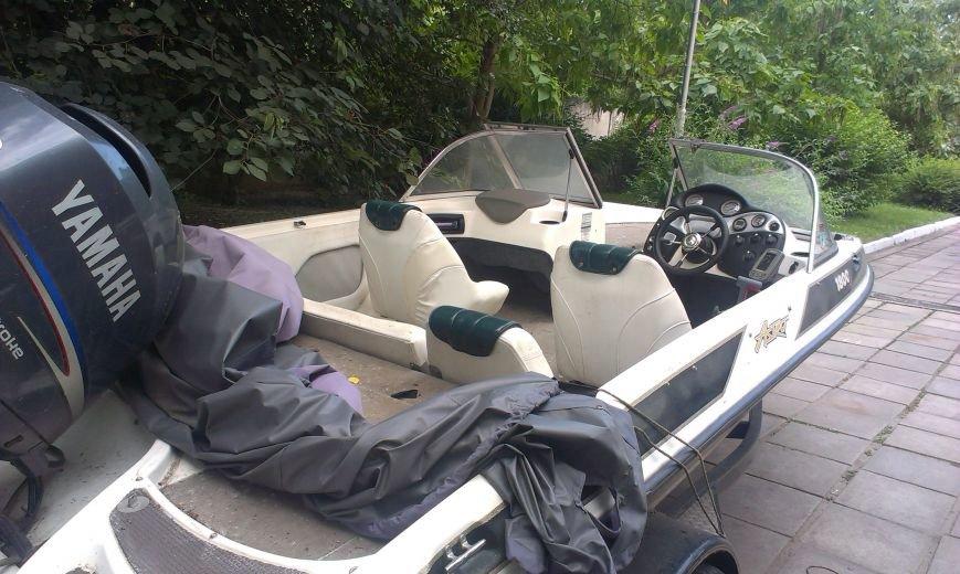 На запорожском причале обнаружен контрабандный спортивный катер (ФОТО), фото-1
