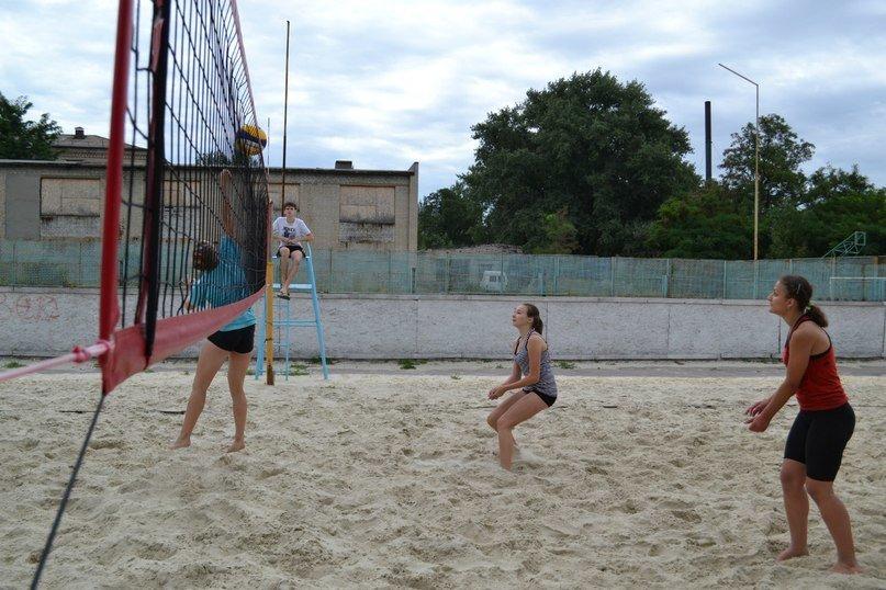 В Родинском прошел турнир по пляжному волейболу «Летние бабочки», фото-2
