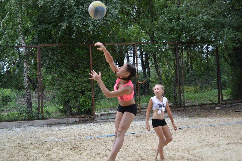 В Родинском прошел турнир по пляжному волейболу «Летние бабочки», фото-1