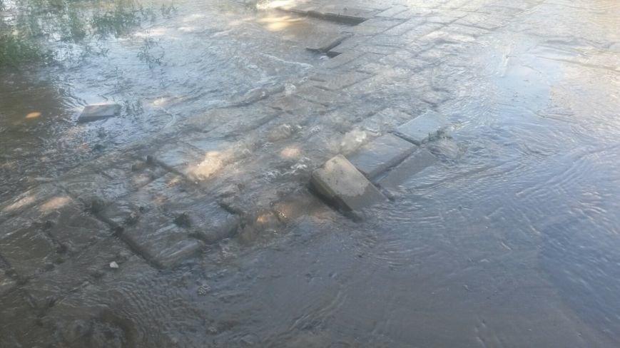 По Мариуполю растекается зловонная вода (ФОТО), фото-3