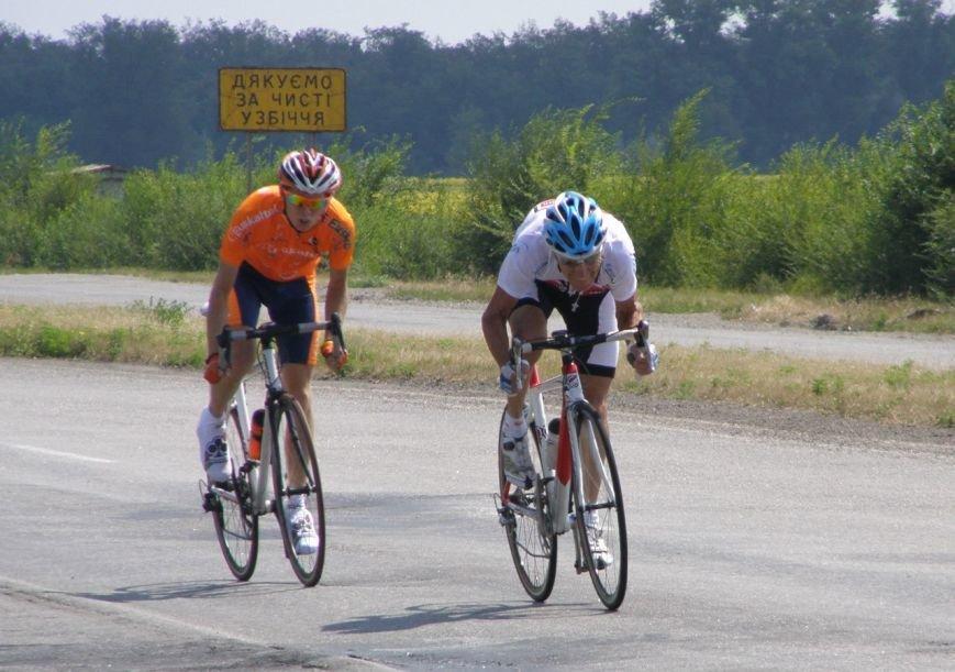 В Кривом Роге 70-летний велосипедист победил в групповой велогонке (ФОТО), фото-1
