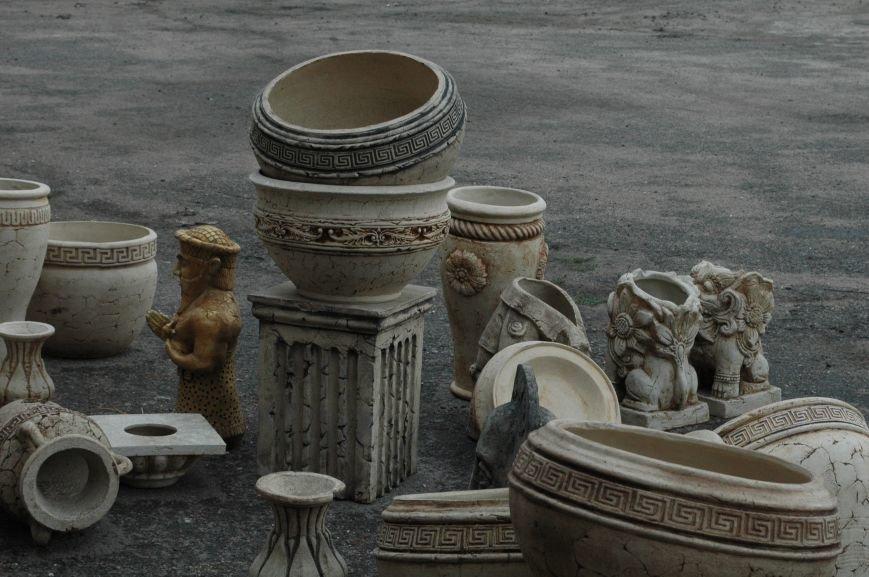 В Запорожье Правый сектор обнаружил склад с российскими гербами (ФОТО), фото-8