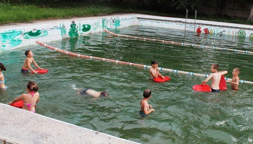 Для артемовской детворы из «Вогника» начался купальный сезон, фото-1