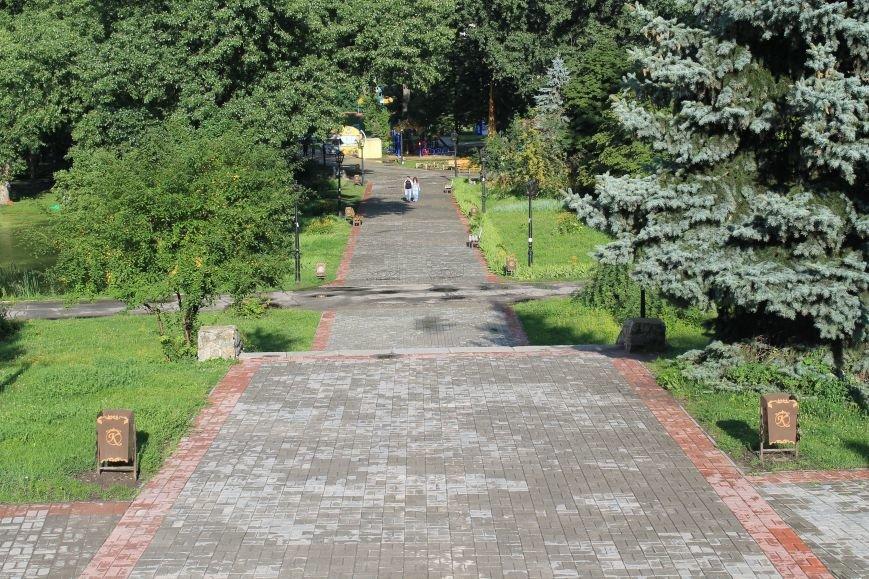 В Сумах парк «Сказка» обзавелся новыми урнами (ФОТО), фото-4