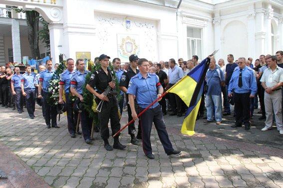 В Харькове прошла панихида по расстрелянным инкассаторам, фото-3