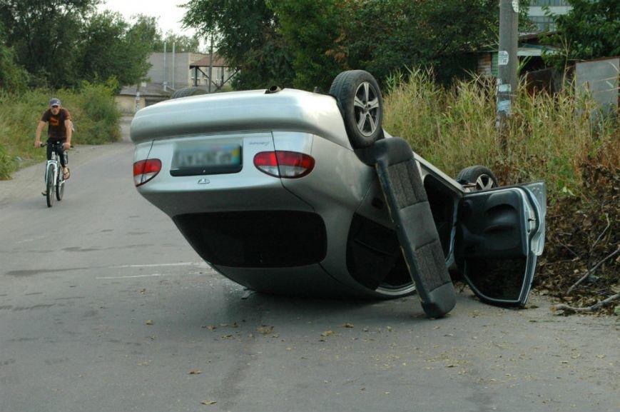 В Запорожье на опасном повороте перевернулся «Ланос» (ФОТО), фото-4