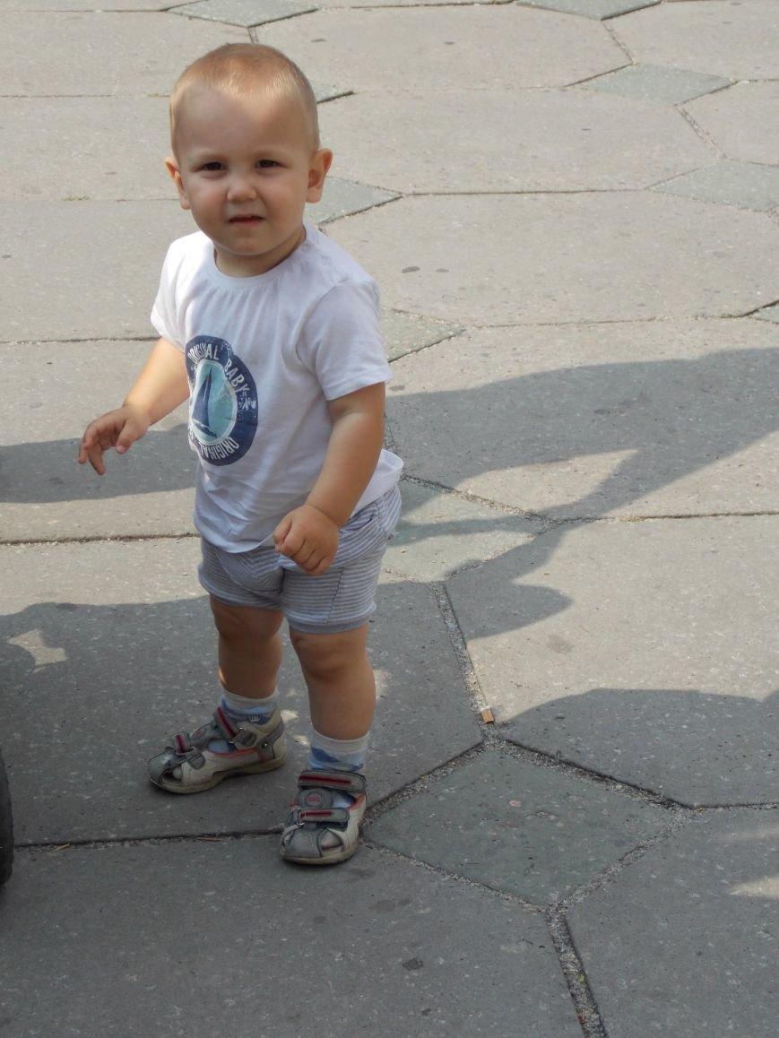 В Запорожье мамы вышли пикетировать ОГА за возвращение «детских» денег (ФОТО), фото-8