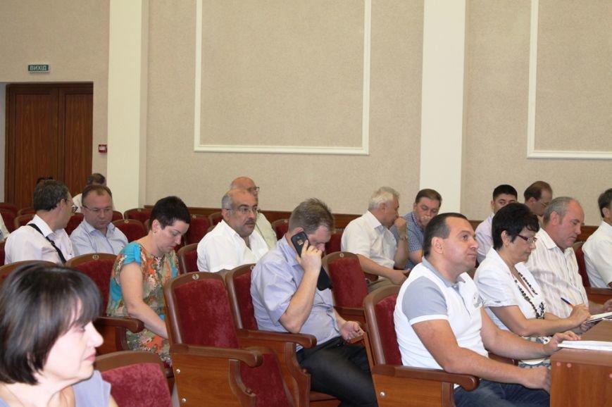 Пятерых артемовских депутатов пришлось уговаривать прийти на сессию горсовета, фото-2