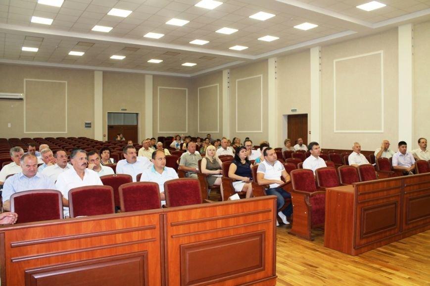Пятерых артемовских депутатов пришлось уговаривать прийти на сессию горсовета, фото-1