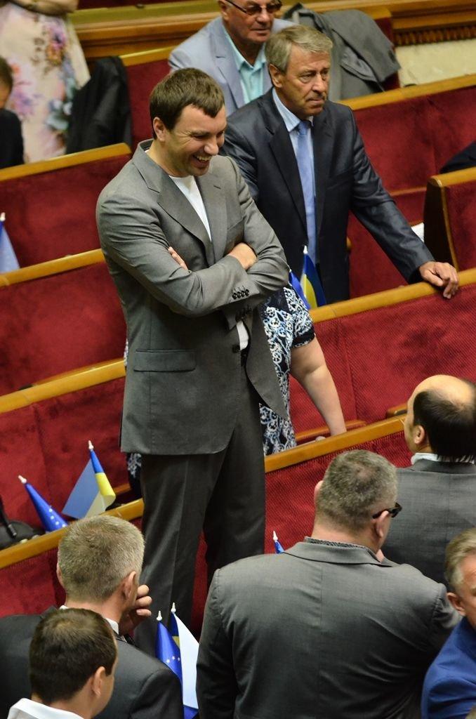 З Верховної Ради депутати витягли Симоненка за волосся та стусанами (фоторепортаж), фото-6