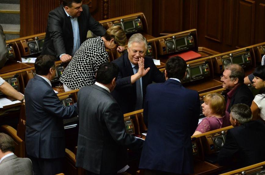 З Верховної Ради депутати витягли Симоненка за волосся та стусанами (фоторепортаж), фото-8