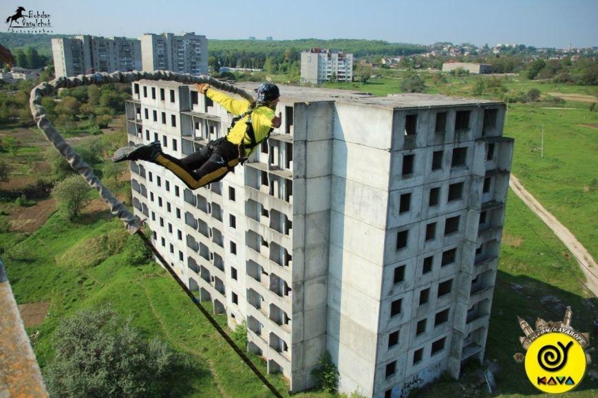 Бажаєте відчути себе птахом? У Львові є екстремальна новинка - роуп-джампінг (ФОТО), фото-1