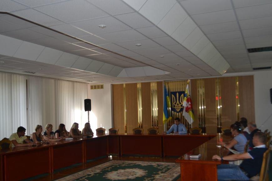 Рівненські волонтери  і влада будуть допомогати армії разом (Фото), фото-1