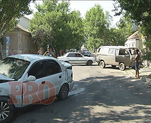 В Бердянске в результате ДТП было обесточено несколько улиц (ФОТО), фото-1