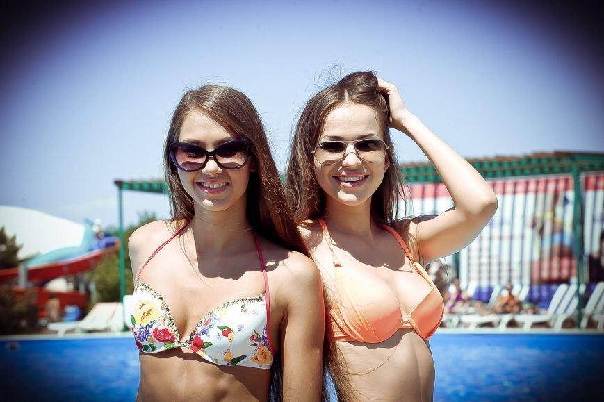 Из-за роста участниц конкурса красоты «Жемчужина Черного моря-2014» организаторы проекта вынуждены уменьшить высоту подиума, фото-9