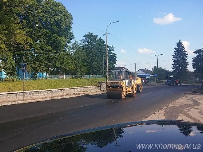 У Рівному на вулиці Чорновола заасфальтували дорогу (Фото), фото-5