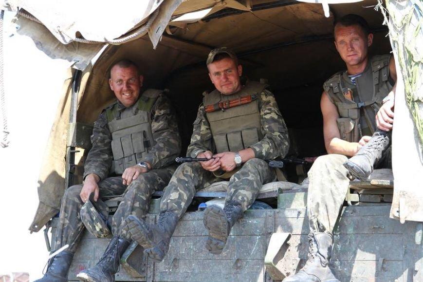 Як українські військові виконують бойові дії в АТО (фоторепортаж), фото-15