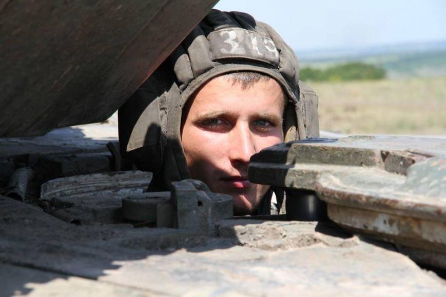 Як українські військові виконують бойові дії в АТО (фоторепортаж), фото-7