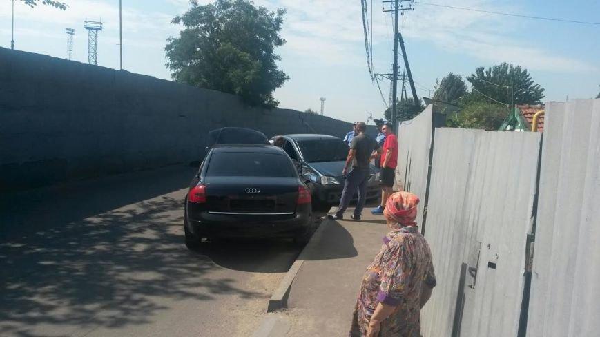В Мариуполе «Ауди» и «Дача» не поделили дорогу на пляж (ФОТО), фото-7
