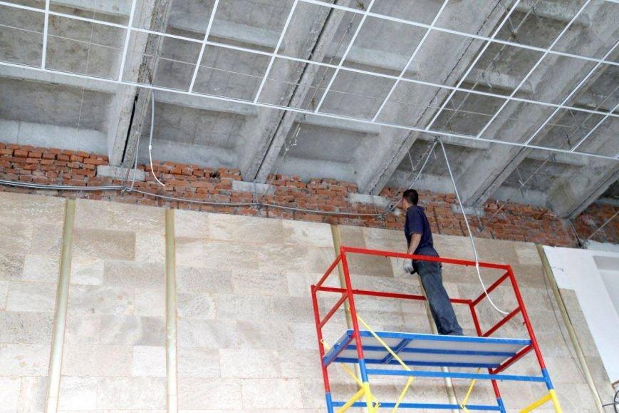 Во Дворце пионеров ильичевцы  обновят фойе, танцевальный класс и вестибюль, фото-2