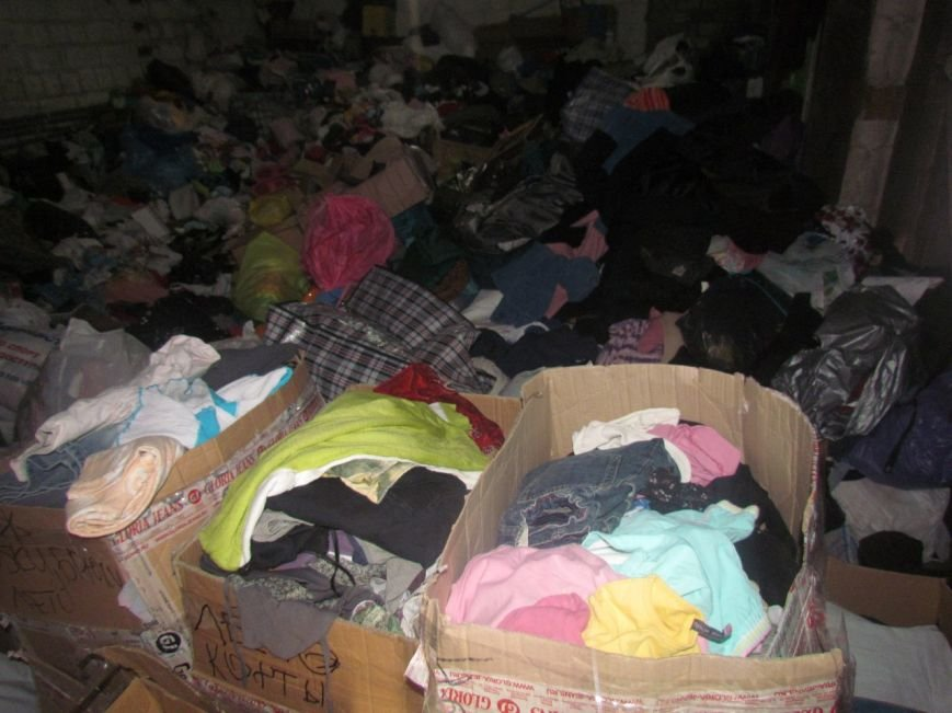 В Мариуполе не хватает рук для помощи беженцам (ФОТО), фото-10