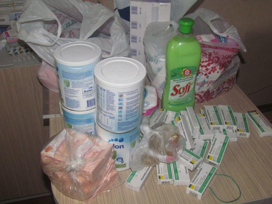 В Мариуполе не хватает рук для помощи беженцам (ФОТО), фото-3