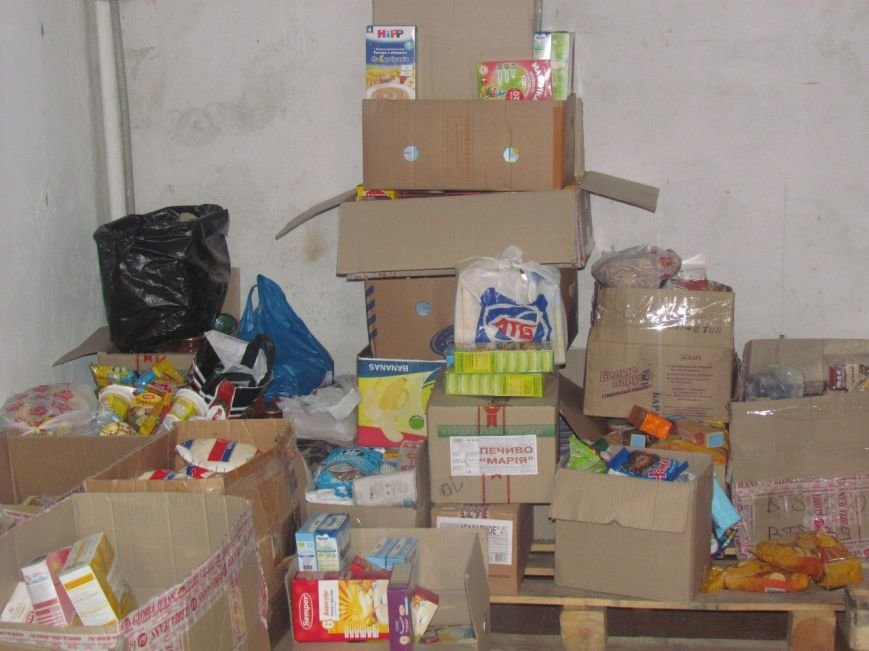 В Мариуполе не хватает рук для помощи беженцам (ФОТО), фото-4