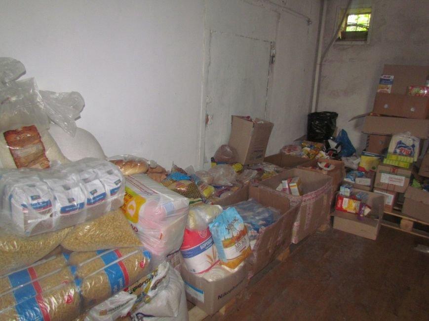 В Мариуполе не хватает рук для помощи беженцам (ФОТО), фото-5