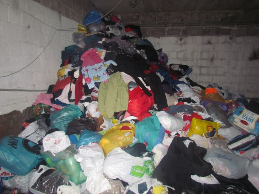 В Мариуполе не хватает рук для помощи беженцам (ФОТО), фото-9