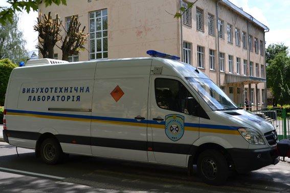 Правоохоронці розшукують зловмисників, які «заміновували» готелі у Львові із зони АТО (ФОТО), фото-4