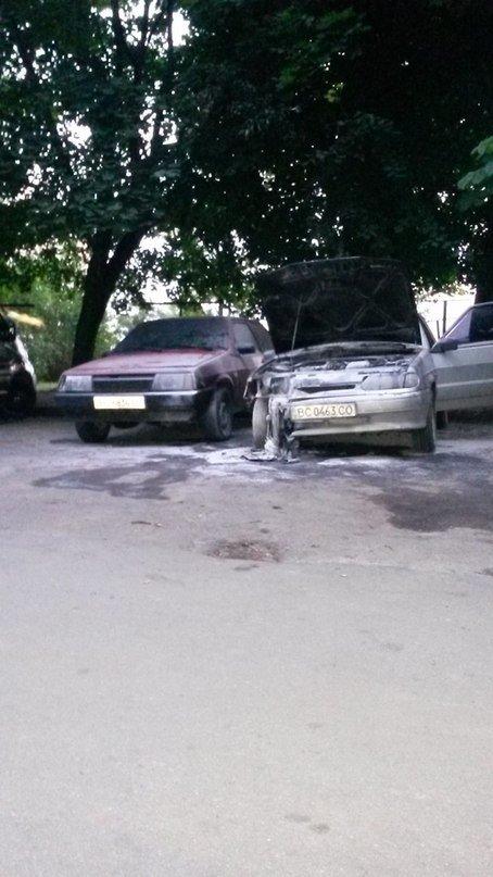 Вночі у Львові підпалили автомобіль (ФОТО), фото-2