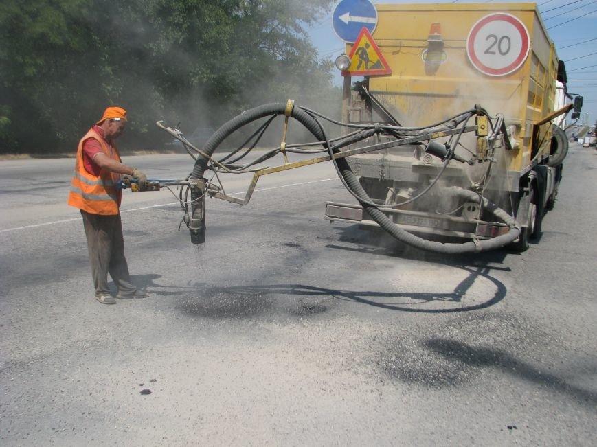 В Запорожской области проводится ямочный ремонт дорог, фото-3