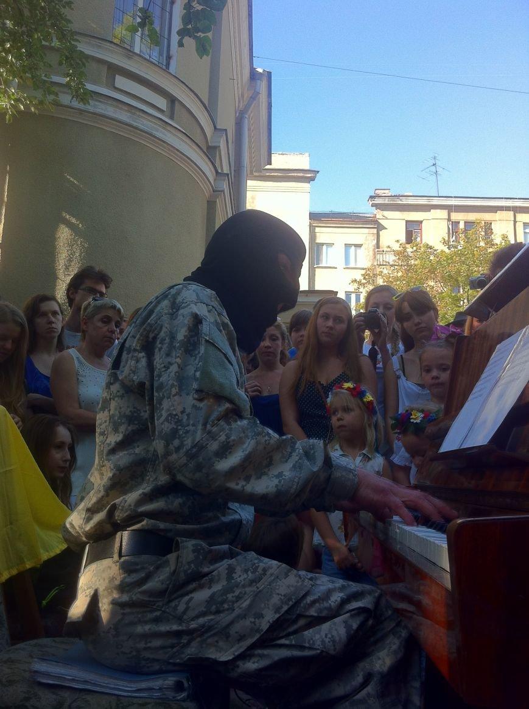 «Пианист-экстремист» выступил в Харькове, фото-1