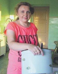 Новые «откровения» «беженцев» из Димитрова: городские шахты выкупили американцы, а в магазине невозможно купить даже хлеб, фото-2