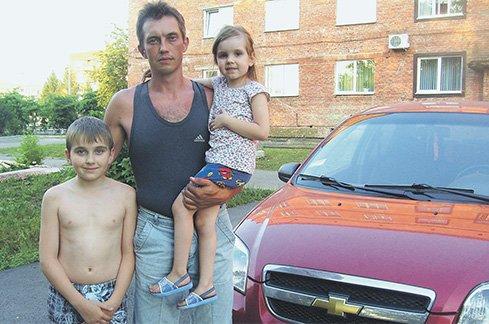 Новые «откровения» «беженцев» из Димитрова: городские шахты выкупили американцы, а в магазине невозможно купить даже хлеб, фото-1