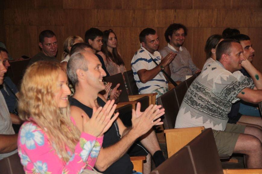 У львівському шпиталі, де лікують ранені з АТО, влаштували концерт, аби бійцям було веселіше жити (фоторепортаж), фото-9