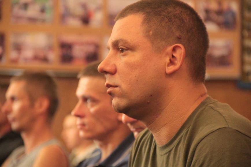 У львівському шпиталі, де лікують ранені з АТО, влаштували концерт, аби бійцям було веселіше жити (фоторепортаж), фото-3