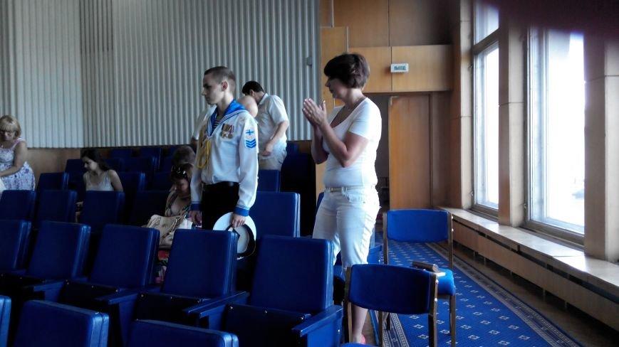 Сумской курсант, певший гимн Украины в оккупированном Крыму, поблагодарил чиновников за помощь (ФОТО), фото-1