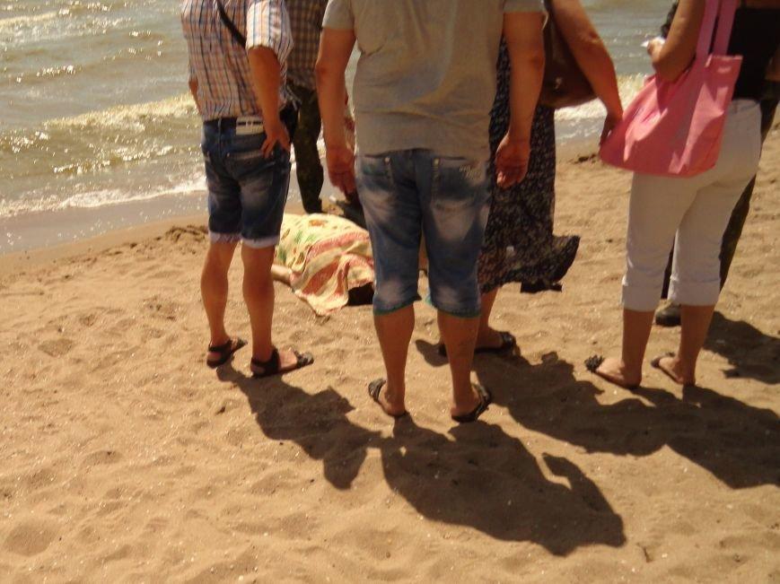 На мариупольском городском пляже умерла женщина (ФОТО), фото-4