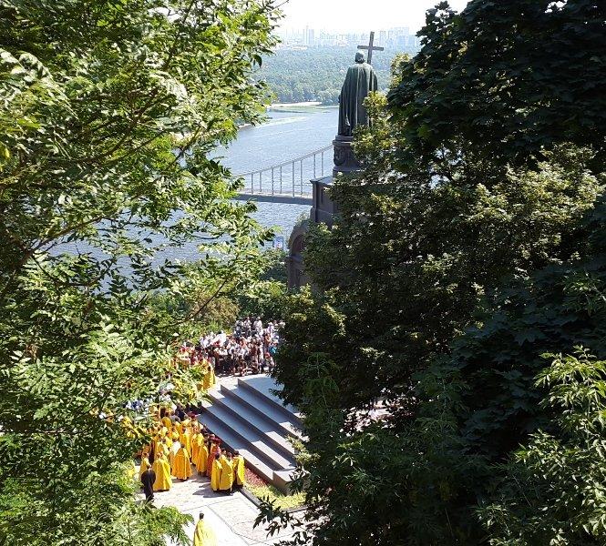 В Киеве 8 тысяч прихожан прошли крестным ходом по случаю празднования Крещения Руси-Украины (ФОТО, ВИДЕО), фото-6