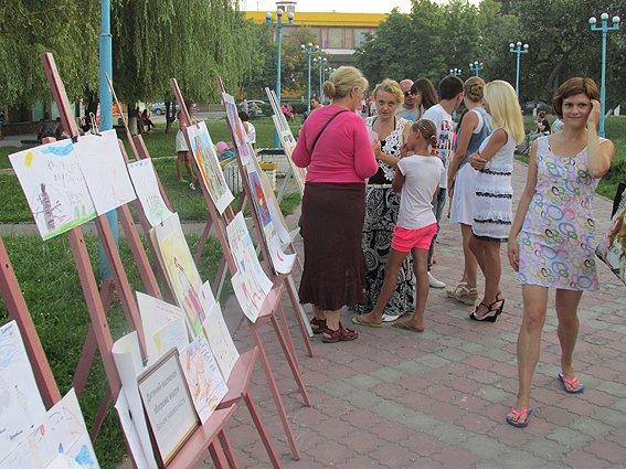 Под Киевом дети собирали деньги в помощь землякам-участникам АТО (ФОТО), фото-9