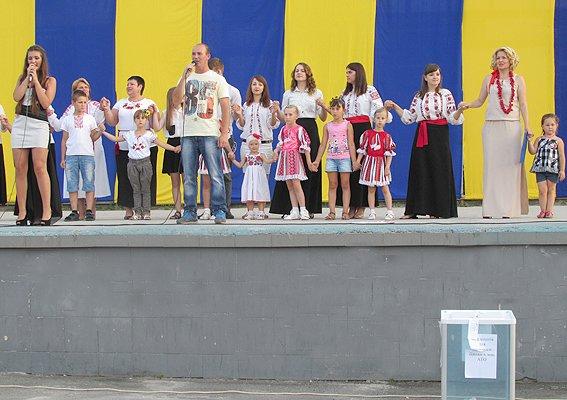 Под Киевом дети собирали деньги в помощь землякам-участникам АТО (ФОТО), фото-3